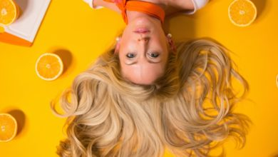 blondynka-i-pomarancze