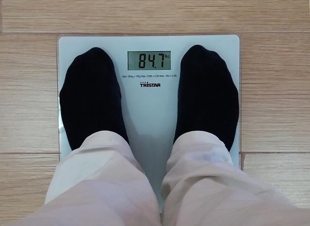 Zważ się! Oblicz wskaźnik BMI i WHR! Zobacz czy zagraża ci otyłość wiceralna?