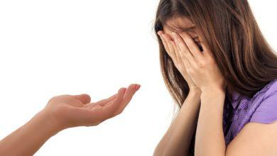 Kobieta-poddaje-sie-psychoterapii-behawioralnej